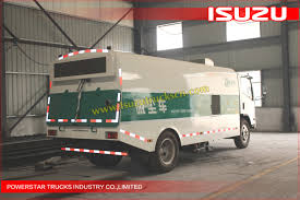 selling isuzu vaccum road sweeper dust suction truck