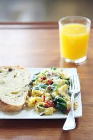 How To Make Really Good Scrambled Eggs Scrambled Eggs With Spinach And Bell Peppers Popsugar Food