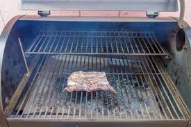 Traeger Fire Pit by Traeger Vs Big Green Egg Which Is Better For Grilling Meat