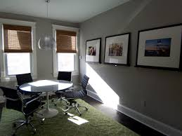 Colors That Go With Gray Walls by Paint Colors For Living Room With Green Carpet Painting A Room