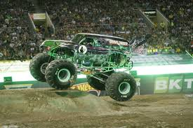 picture of grave digger monster truck monster jam hall of champions monster jam