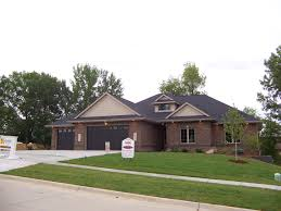 amazing 7 rambler style house designs craftsman plans arts for