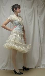 petticoat disciple quarterly castre ruffler tanit isis sews