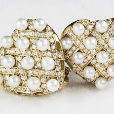 yellow gold earrings zunino 18 kt yellow gold earrings with diamonds and pearls coi
