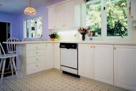 kitchen cabinet base moulding how to replace kitchen cabinet base molding