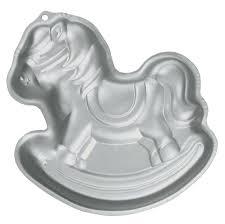 amazon com wilton rocking horse cake pan novelty cake pans