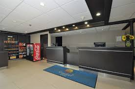Comfort Inn West Book Comfort Inn Airport West In Mississauga Hotels Com