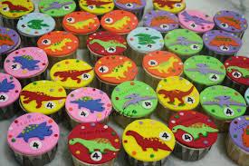dinosaur cupcakes dinosaur cupcakes for aloysius jocakes