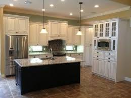 kitchen remodeling island 25 best kitchen remodel white cabinets island images on