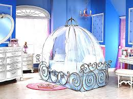 Girls Princess Canopy Bed by Best 25 Cinderella Carriage Bed Ideas On Pinterest Disney
