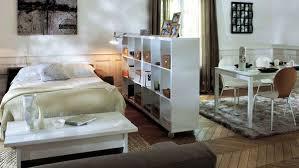 amenager chambre dans salon petits espaces aménager un coin chambre dans salon coin