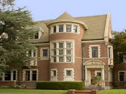 airbnb mansion los angeles murder house from american horror story is available to rent