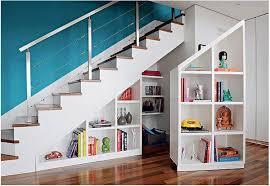 Placard Sous Escalier Avec Tablettes Rangement Sous Escalier Idées Déco
