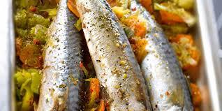 cuisiner le maquereau au four maquereaux au four sur lit de légumes facile recette sur