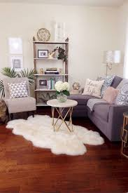 Pinterest Decorating Small Spaces by Best 25 Apartment Living Rooms Ideas On Pinterest Small