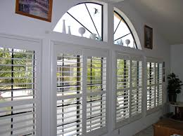 Plantation Shutters And Blinds Blinds 4 Less Faux Wood Versus Real Wood Plantation Shutters