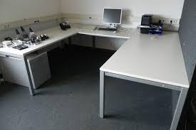 bureau u vorm 2x blad afm ca 240x90cm tussen stuk afm ca
