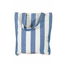 sac cabas en lin sac et trousse de toilette en lin tendance baltique
