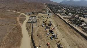 What Are Walls Made Of Here U0027s What Prototypes Of A U S Mexico Border Wall Look Like La