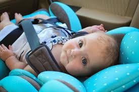 legislation siege auto enfant siège auto le casse tête des deux réglementations en vigueur