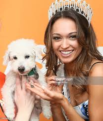 Queen S Dog Miss New York Usa Bejewels The Kings U0026 Queens Of The Aspca Animal