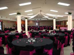 themed wedding decorations the idea of black table cloths with your wedding color as the