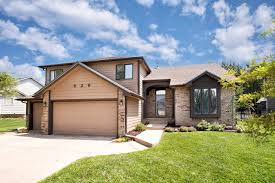 626 n bay country st for sale wichita ks trulia 626 n bay country st