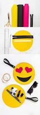 Furniture Emoji Best 25 Peluche Emoji Ideas On Pinterest Cojin Emoji Bolso