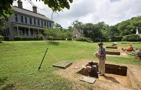 Williamsburg Maps And Orientation Williamsburg Virginia by Probing A Landscape Mystery At Colonial Williamsburg Daily Press