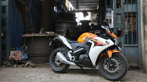 cbr 150r price and mileage honda cbr150r 2016 sports red price mileage reviews
