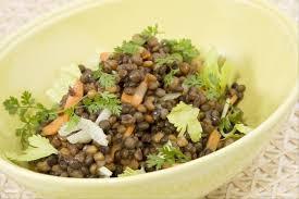 cuisiner celeri branche recette de salade de lentilles au céleri facile et rapide