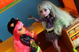 13 Wishes Lagoona Dolly Review Monster High 13 Wishes Twyla Confessions Of A Doll