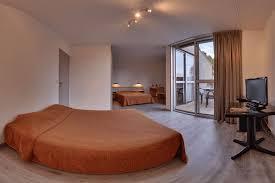 chambre 4 personnes chambres d hôtel cing domaine de chaussy