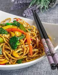 cuisiner des pates chinoises recette de nouilles chinoise sautées aux légumes amour de cuisine