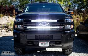 30 inch led light bar 40 and 30 inch black label lighting led light bar behind grille