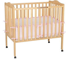 small cribs for small spaces