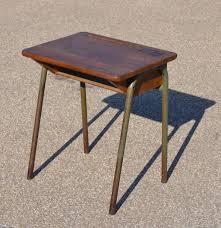 petit bureau ecolier mobilier vintage pour enfants chaises tables coffres à jouets