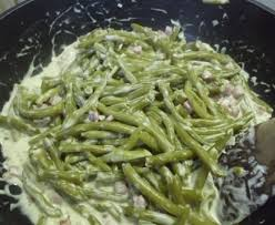 cuisiner des haricots verts haricots verts à la crème ail et fines herbes recette de haricots