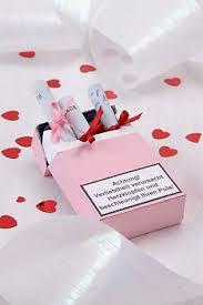 verpackungen fã r hochzeitsgeschenke plakat mit liebespaaren hochzeit valentinstag products poster