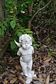how many garden cherubs are many a cultivated nest