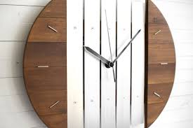 futuristic wall clock aent us