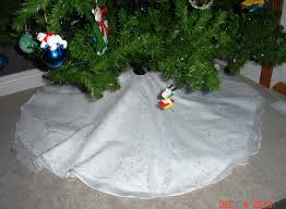 turn wedding dress into a tree skirt i want to try this