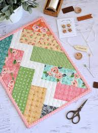 free thanksgiving quilt patterns monthly mini quilts for march plus a jelly roll fabric giveaway
