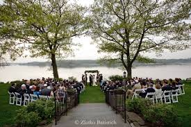 Waterfront Wedding Venues Long Island Ceremony By The Long Island Sound At Wainwright House Hudson