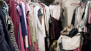 How To Organize Pants In Closet - you u0027re organizing your closet all wrong nov 21 2014