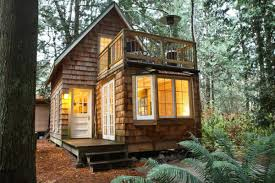 Tiny House Vacation Rentals 8 Tiny Vacation Cabins To Take You Off The Grid Maxim