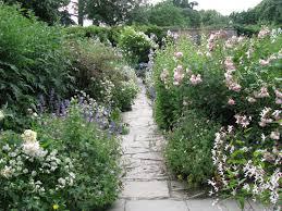 ciao domenica down the garden path