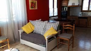 chambre d hote avec kitchenette commune avec kitchenette et coin salon picture of chambres d