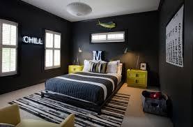 une chambre des murs noirs pour une chambre d enfant suis je rendue trop