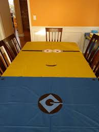 Ideas For Centerpieces For Birthday Party by Best 20 Minion Party Decorations Ideas On Pinterest Minion